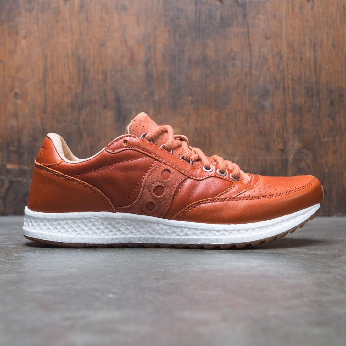 8ab554c735a7 Saucony Men Freedom Runner brown