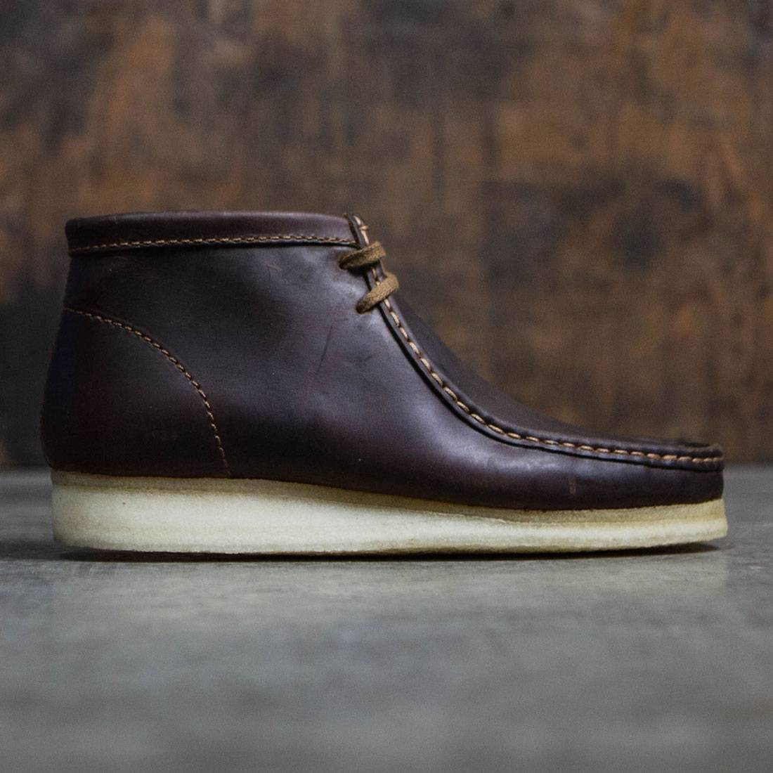 0d3d8de5603 Clarks Men Wallabee Boot brown beeswax leather