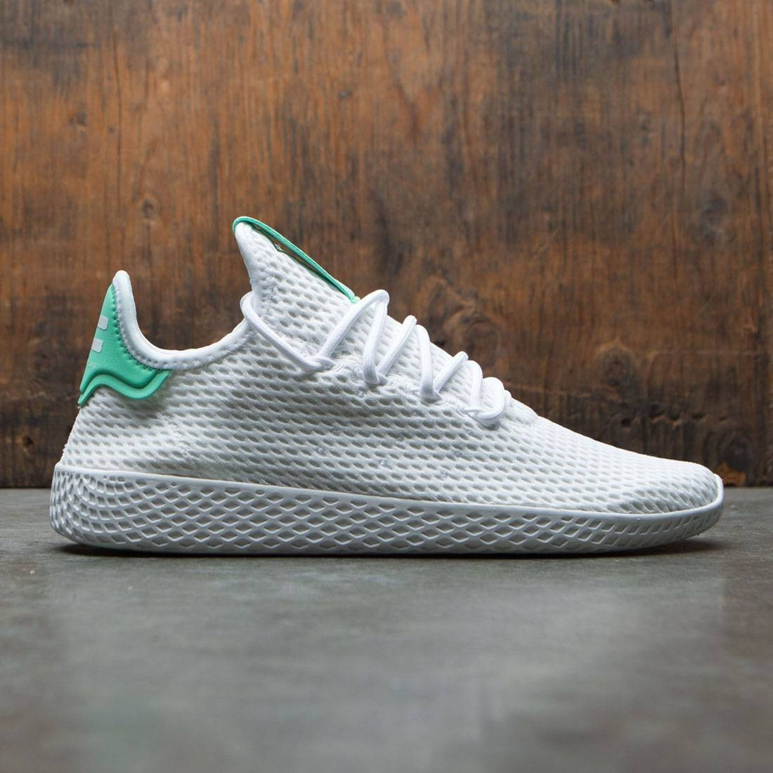f3cbc2691ba44 Adidas x Pharrell Williams Men Tennis Hu white footwear white green glow