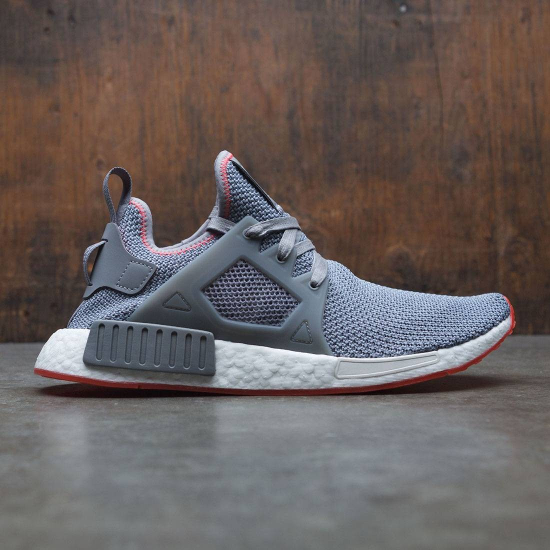 official photos 519e6 22550 Adidas Men NMD XR1 (gray / grey three / solar red)