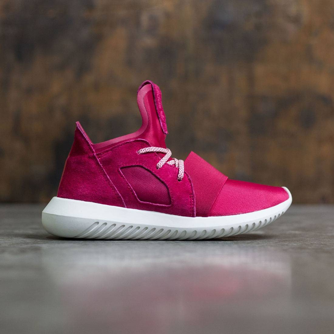 Adidas Tubular womens 7.5 red | Red adidas shoes, Sneaker