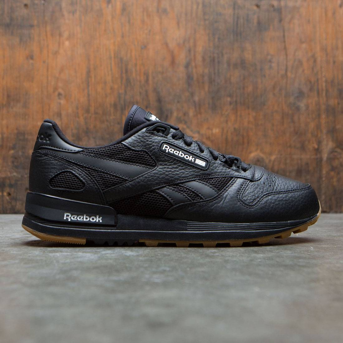 Reebok Men Classic Leather 2.0 black white gum 61053672d