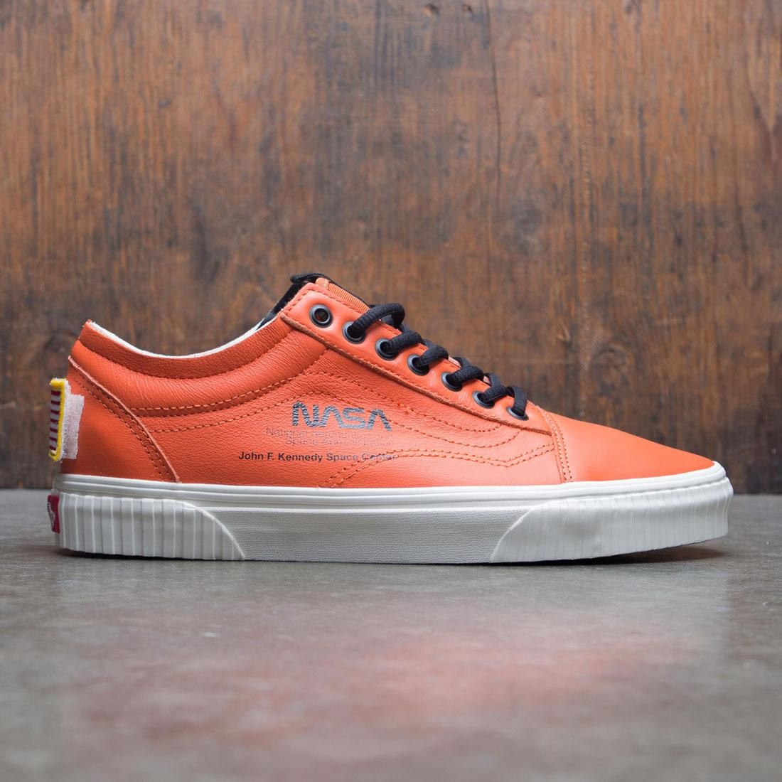 aa5ce5e247c Vans Men Old Skool - Space Voyager orange white