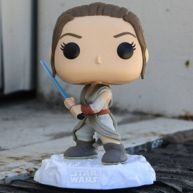 Funko POP Star Wars The Force Awakens - Rey With Lightsaber (gray)