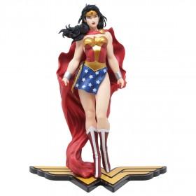 Kotobukiya ARTFX DC Universe Wonder Woman Statue (red)