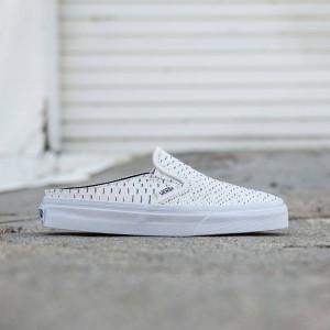 Vans Women Classic Slip-On Mule - Embossed Leather (white / true white)