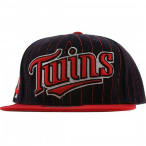 American Needle Minnesota Twins Dotty Pin Snapback Cap (navy / red)