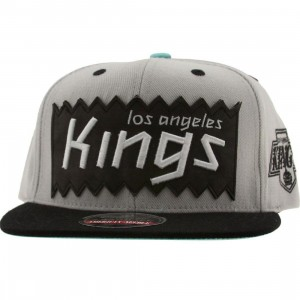 BAIT x NHL x American Needle Los Angeles Kings NHL Retro Snapback Cap (silver / black)