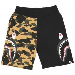 A Bathing Ape Men 1st Camo Side Sharks Sweat Shorts (black)