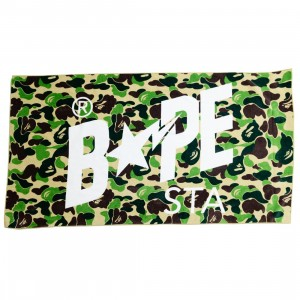 A Bathing Ape ABC Camo Bape Sta Beach Towel (green)