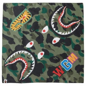 A Bathing Ape 1st Camo Shark Bandana (green)