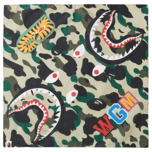 A Bathing Ape 1st Camo Shark Bandana (yellow)