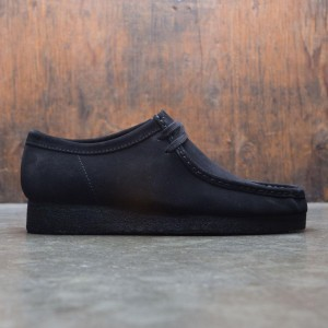 Clarks Men Wallabee (black / suede)