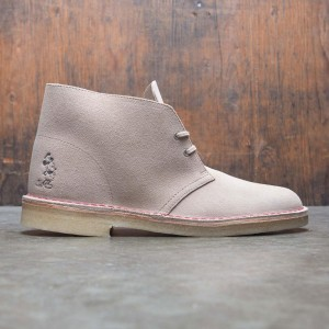 Clarks x Disney Men Desert Boot - Mickey 90th (brown / sand)