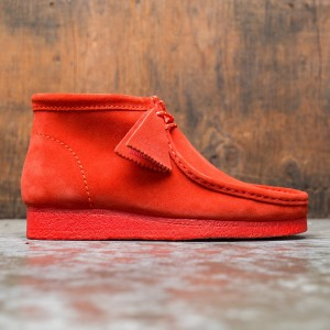 Clarks Men Wallabee Boot Suede (red / suede)
