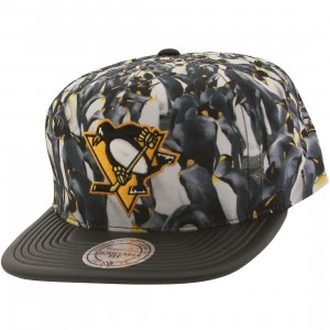 Mitchell And Ness Pittsburgh Penguins Localized Snapback Cap (black)