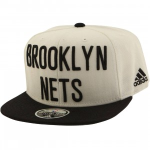 Adidas NBA Brooklyn Nets On Court Snapback Cap (white / black)