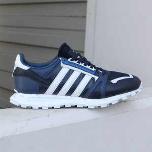 Adidas Men White Mountaineering Racing 1 (navy / collegiate navy / footwear white)
