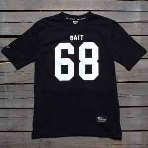 BAIT Men 68 Football Tee (black)