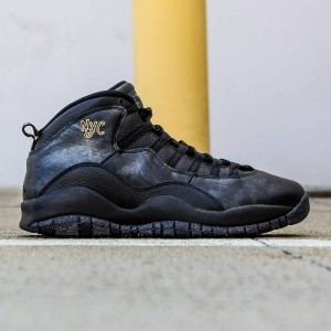 Air Jordan Retro X NYC City Pack Men (black / dark grey / metallic gold / black)