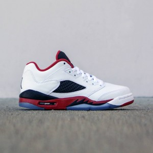 Air Jordan 5 Retro Low GS Fire Red Big Kids (white / black / fire red)