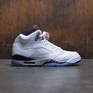 Air Jordan 5 Retro (GS) Big Kids (white / university red-black-matte silver)