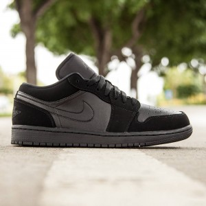Air Jordan 1 Low Men (black / black / black)