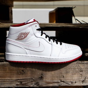 Air Jordan 1 Mid Men (white / black / gym red)