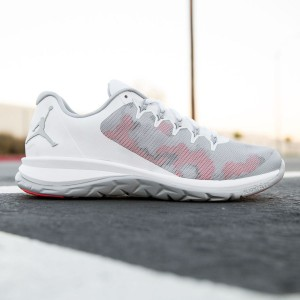 Jordan Men Flight Runner 2 (white / wolf gray / infrared 23)