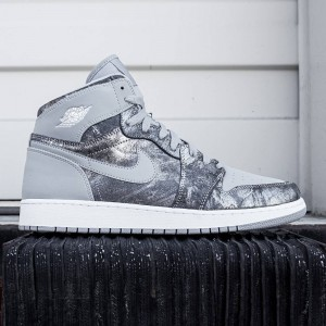 Air Jordan 1 Retro High Premium Big Kids (grey / wolf grey / metallic silver)