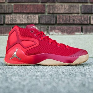 Jordan Men Melo M12 - Big Apple (red / university red / metallic gold / gum light brown)