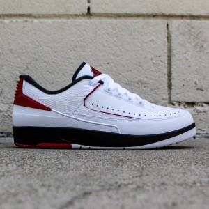 Air Jordan 2 Retro Low Chicago Men (white / black / varsity red)
