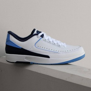 Air Jordan 2 Retro Low Midnight Navy Men (white / university blue-midnight navy)