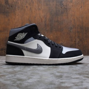 Air Jordan 1 Mid SE Men (black / smoke grey-sail)