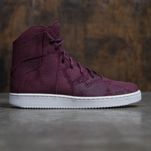 Jordan Men WESTBROOK 0.2 (Maroon)