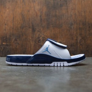 Jordan Men Hydro XI Retro Slide (white / university blue-midnight navy)