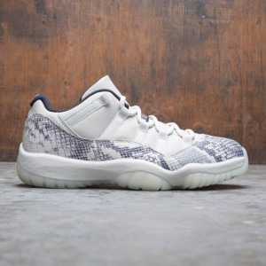 Air Jordan 11 Retro Low LE Men (light bone / university red-sail-black)