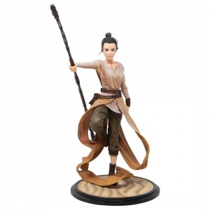 Kotobukiya ARTFX Artist Series Star Wars Rey Descendant Of Light Statue (tan)