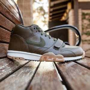 Nike Men Air Trainer 1 Mid (olive / dark loden / gum light brown / light bone)