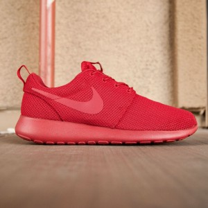 Nike Men Roshe One (red / varsity red)