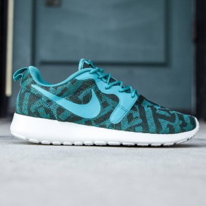 Nike Women Roshe One KJCRD (teal / malt green / radiant emerald / light bone)