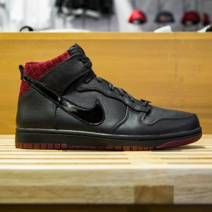Nike Men Dunk CMFT PRM QS - Coffin (black / team red)