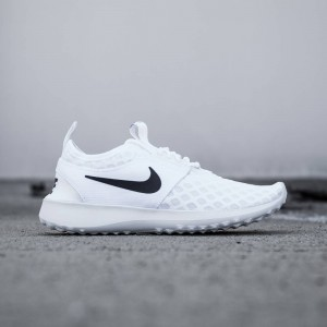 Nike Women Juvenate (white / black)