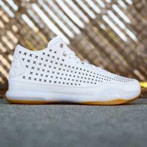 Nike Men Kobe X Mid EXT (white / gold)