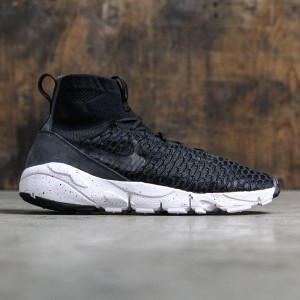 Nike Men Air Footscape Magista Flyknit (black / black-dark grey-volt)