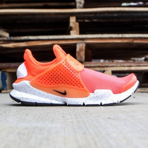 Nike Men Sock Dart Se (total crimson / black-white)