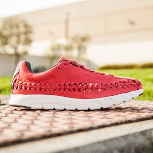 Nike Men NIKE MAYFLY WOVEN (terra red / summit white / dark base grey)