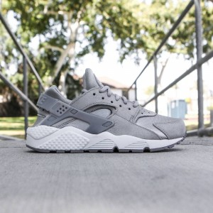 Nike Women Air Huarache Run Premium Suede (medium grey / off white-flat pewter)