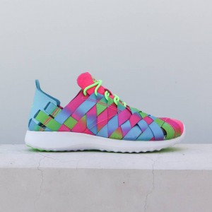 Nike Women Juvenate Woven Premium Women'S Shoe (gamma blue / electric green / white / pink blast)