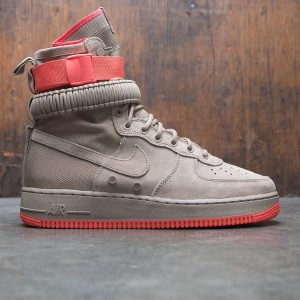 Nike Men Sf Air Force 1 (khaki / khaki-rush coral)